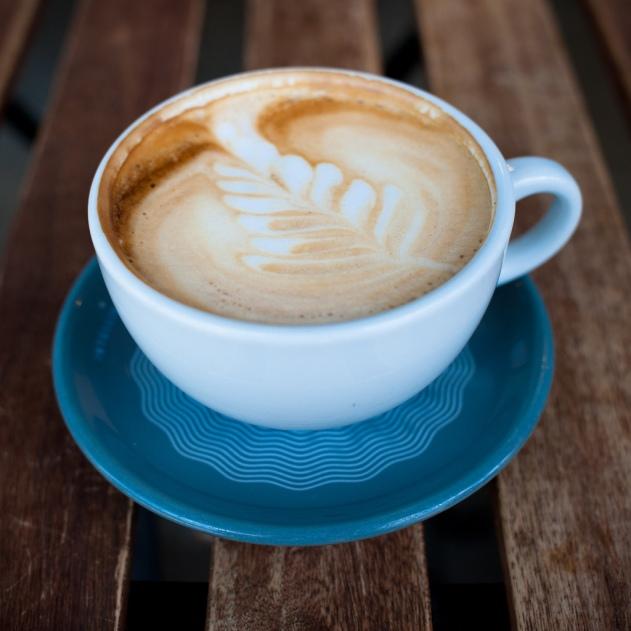 bebidas diuréticas, bebidas estimulantes café con encanto, urología mujer, salud para la mujer, Dr. Rafael Solano, incontinencia urinaria, vejiga hiperactiva